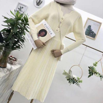 于MOMO  没钱也一定要买的羊毛混纺纱线针织连衣裙  人人都可驾驭