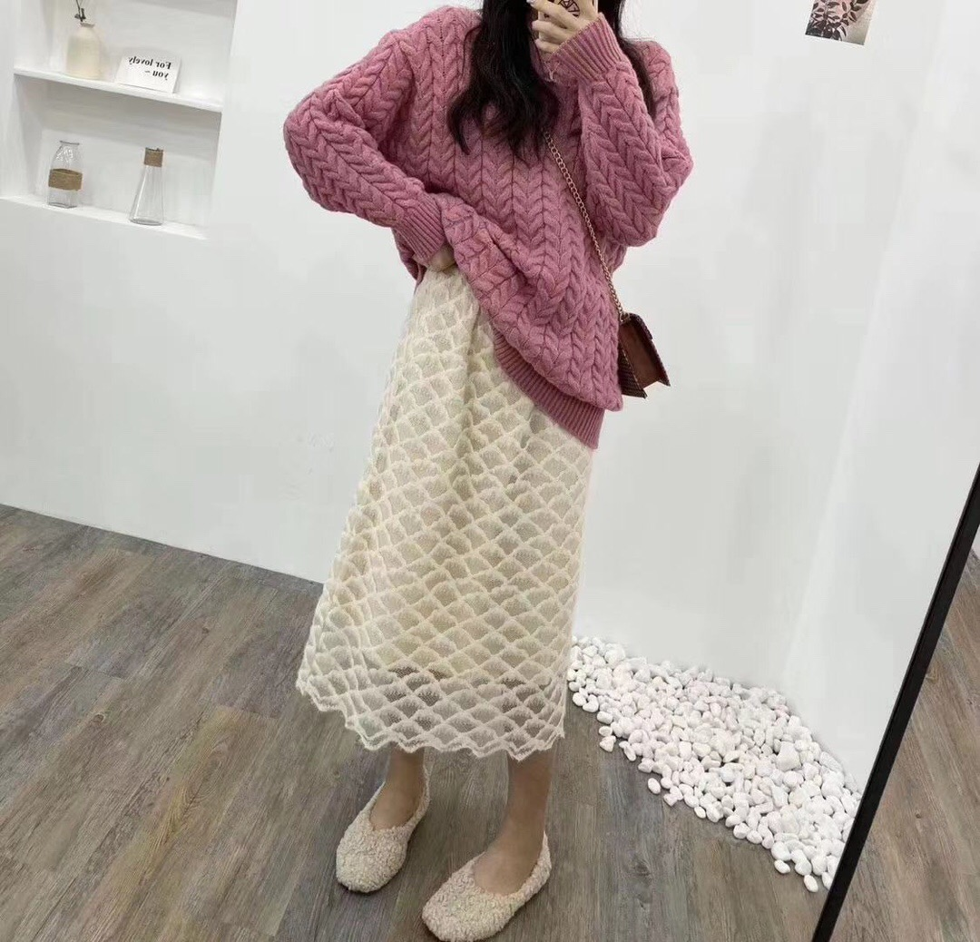 韩版小香风时尚百搭钩花蕾丝半身裙-包子铺-
