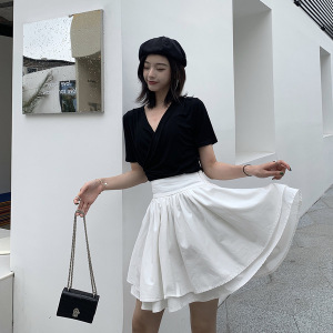 短袖t恤女潮夏心机设计感交叉v领上衣修身洋气打底衫性感