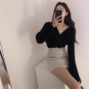 YF20550# 韩国chic 秋冬设计师款 露肚脐前后两穿V领短款长袖毛衣女