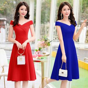 修身显瘦纯色连衣裙女中长款一字肩气质夏天流行裙子