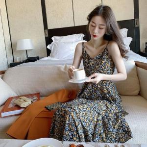 港味碎花吊带裙子女泫雅风显瘦中长款仙女超仙森系连衣裙