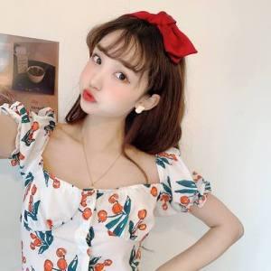 短款法式复古方领樱桃印花收腰上衣衬衫女