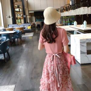 粉色减龄套装女洋气春装韩版T恤碎花半身裙时尚两件套