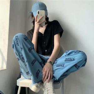 PPHOME韩系ins博主推荐~简单百搭v领T恤+酷酷慵懒字...