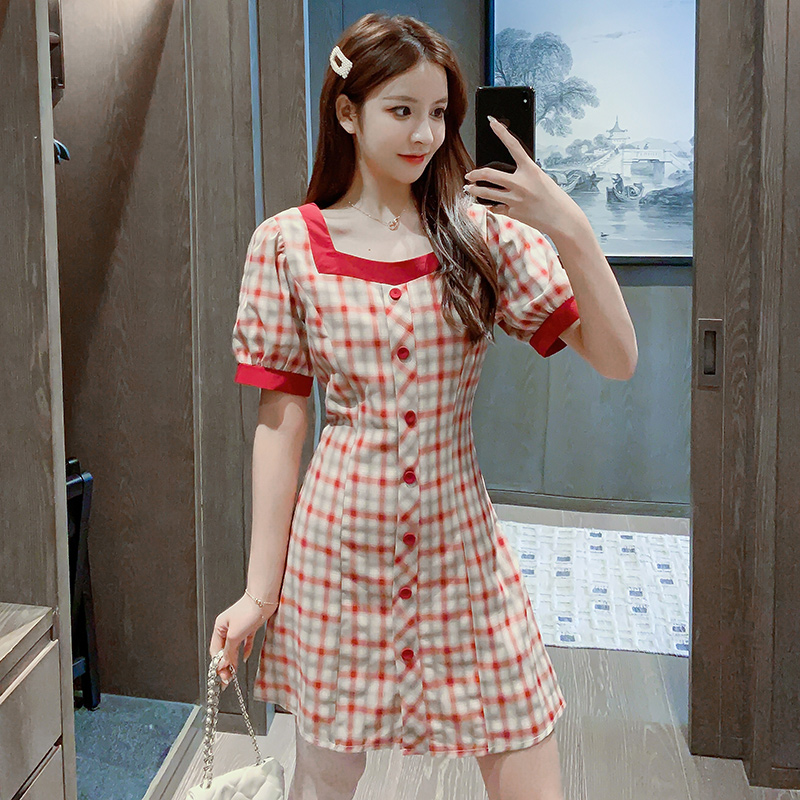 实拍2020夏款红色格子方领连衣裙女夏泡泡袖复古气质收腰显瘦裙子-唯美嘉服饰-