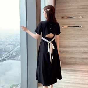 YF36737# 新款法式复古方领露背黑色连衣裙超仙智熏裙收腰显瘦气质长裙 服装批发直播货源