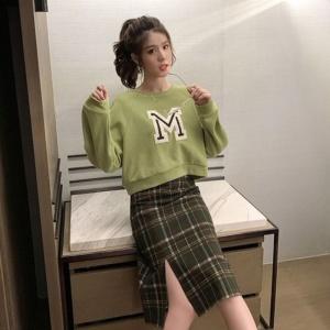 YF20557# 秋季新款韩版休闲M字母无帽卫衣女短款宽松圆领套头长袖外套