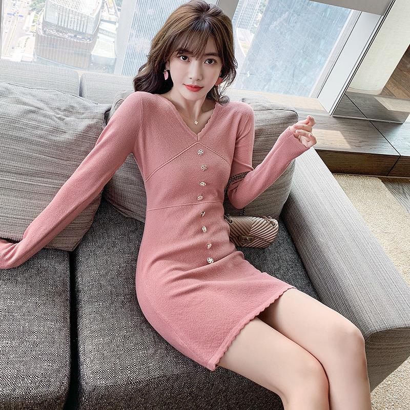 2020秋装新款淑女简约V领裙子纯色收腰显瘦时髦针织长袖连衣裙女-雨诺服饰-