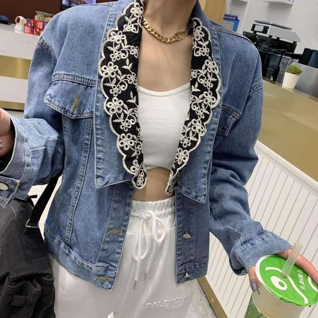 2020秋季蕾丝钩花刺绣娃娃领短款设计感小香风牛仔外套女-YQ网络服饰-
