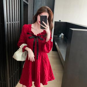 YF71306# 红色泡泡袖方领连衣裙秋季新款法式复古赫本风约会小裙子超仙