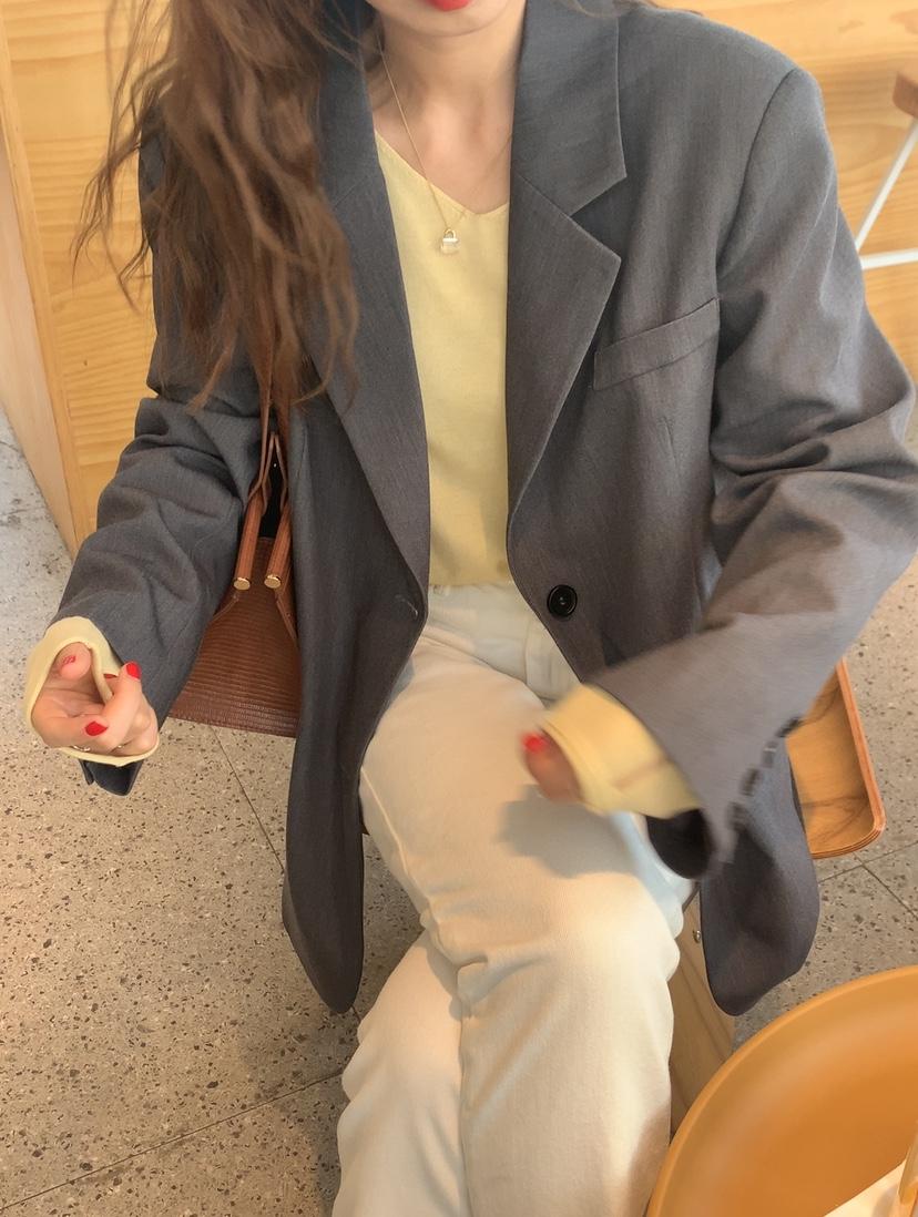 荷静gogo 炒有质感的西装外套!都说女孩气场是西装给的~8.2-千衣百顺服饰-