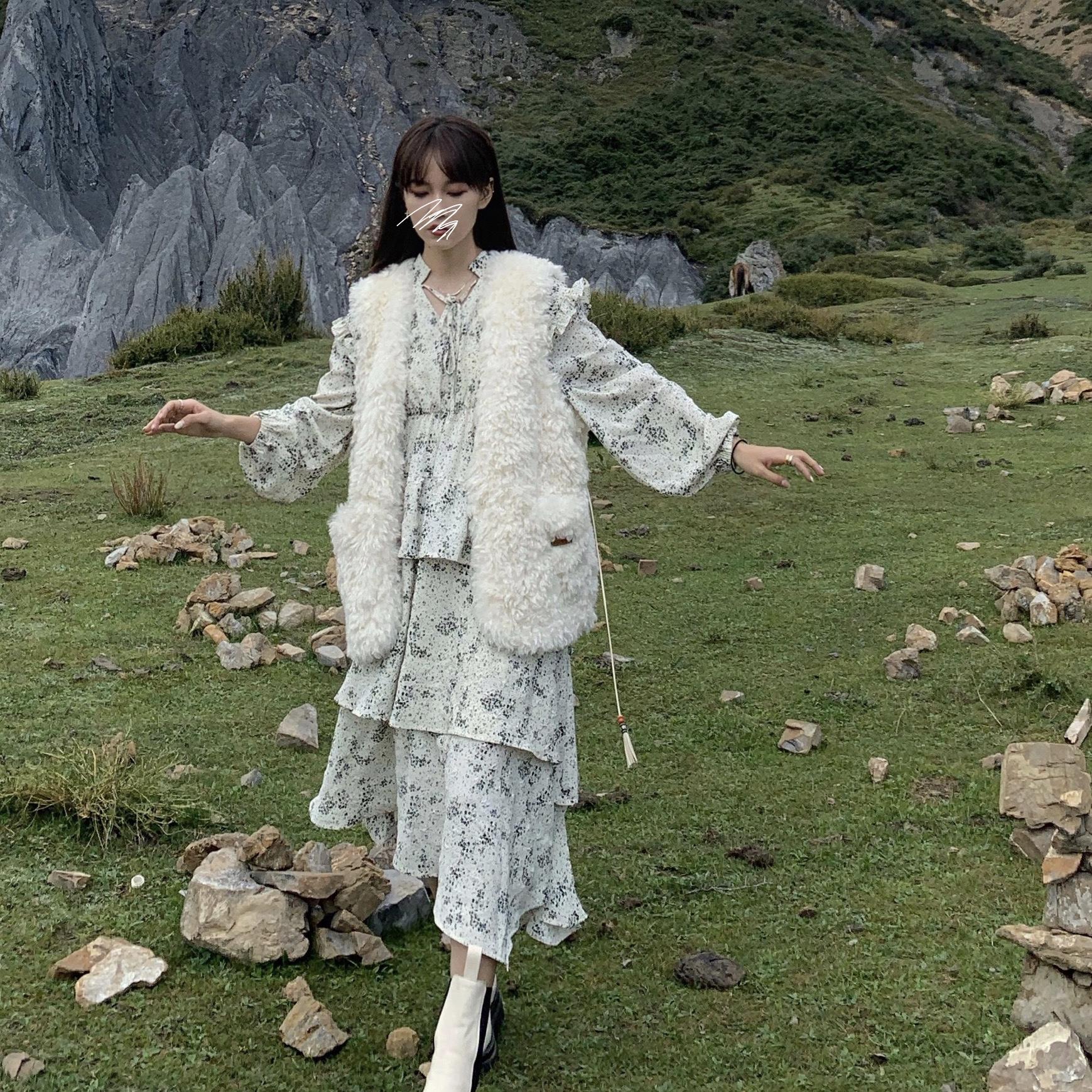 一忘皆空/卷卷小绵羊!皮标流苏羊羔毛马夹背心宽松无袖外套上衣-欧菲迪-