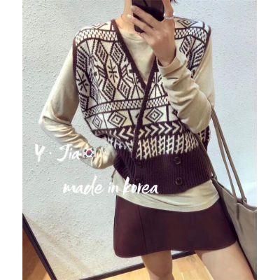 秋季新款韩版时尚纯色圆领打底衫+复古几何针织马甲背心套装-包子铺-