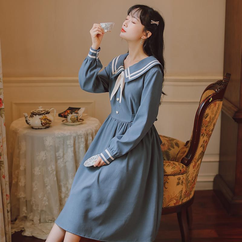 模特实拍秋冬学生学院风裙子加厚磨毛连衣裙售价不低于98-芷昕实拍店-