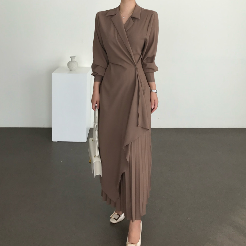 chic 设计感不规则百褶长款连衣裙-和兮 And Xi-
