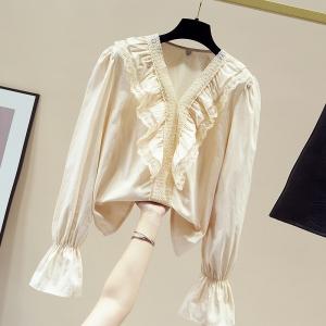 YF12588# 蕾丝白色衬衫女秋装新款V领复古宫廷风喇叭袖心机上衣设计感 服装批发女装直播货源