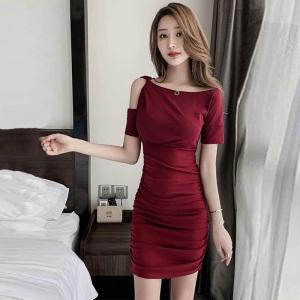 YF21932# 露肩小心机性感连衣裙斜肩漏单肩气质裙子女夏修身显瘦紧身包臀裙