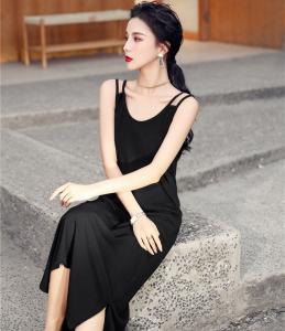 YF17578# 吊带针织连衣裙女显瘦内搭长款过膝小黑裙潮 服装批发女装直播货源