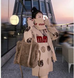 YF19145# 秋冬季新款女装国潮时尚卡通小熊高领长袖宽松套头毛衣女上衣 服装批发女装直播货源