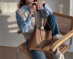 YF24583# 水桶包女新款潮 韩版小众设计ins复古风简约休闲百搭单肩包包 包包批发女包货源