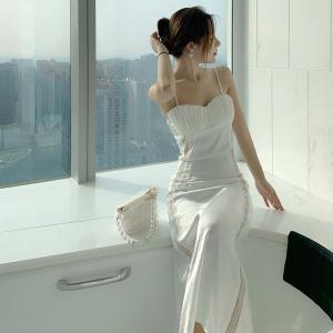YF20699# 白贝壳珠光缎面空气层蕾丝拼接吊带连衣裙 女装批发服饰直播货源