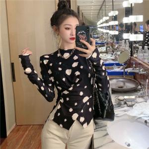YF27812# 新款个性韩版黑白波点长袖圆领套头交叉显瘦打底衫上衣 服装批发直播货源