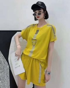 YF43691# 新品春夏女装套装时尚重工烫钻冰麻丝短袖短裤两件套潮 服装批发女装直播货源