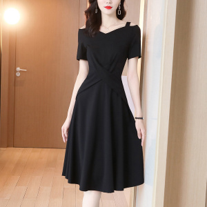 YF35097# 春款女装新款连衣裙黑色气质高端名媛法式复古赫本风小黑裙 服装批发女装直播货源