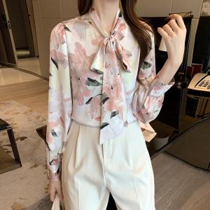 YF38711# 春季新款设计感花瓣缎面雪纺衫淑女风系带衬衫 服装批发女装直播货源