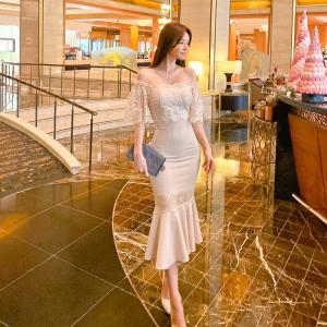 YF42844# 新款女装一字领蕾丝拼接收腰显瘦包臀中长款连衣裙