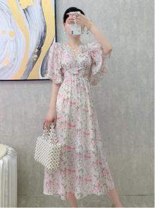 YF43413# 夏季新款V领喇叭袖超仙碎花连衣裙女高收腰显瘦温柔过膝长裙