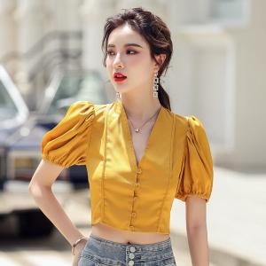 YF48408# ~v领泡泡袖短袖衬衫夏季黄色缎面法式复古女衬衣上衣 服装批发女装直播货源
