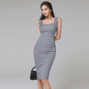YF51336# 韩版夏季气质显瘦收腰轻奢格子背带修身包臀连衣裙 服装批发女装直播货源