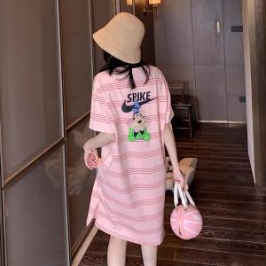 YF50816# 新款条纹粉色印花t恤连衣裙女中长款韩版宽松针织直筒裙子 服装批发女装直播货源