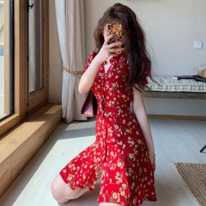 YF54256# 初恋碎花裙女夏新款海边度假沙滩泡泡袖红色连衣裙设计感小众 服装批发女装直播货源
