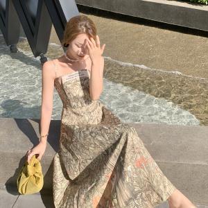 YF55698# 法式吊带连衣裙女夏季新款气质长裙高级设计感小众碎花裙减龄裙子 服装批发女装直播货源