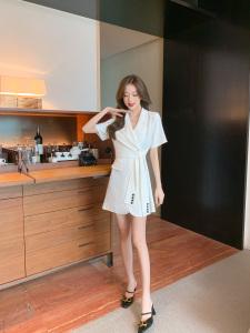 YF63067# 新款夏季v领气质设计感小众纽扣系带高级感修身西装连衣裙