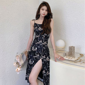 YF57053# 美人印花吊带裙子夏季新款小众性感显瘦开叉连衣裙 服装批发女装直播货源