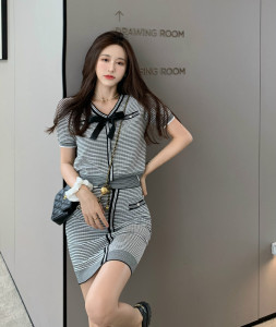 YF61678# 复古拼色V领气质蝴蝶结针织显瘦套装 服装批发女装直播货源