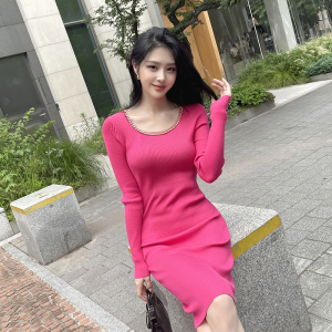YF66821# 新款韩版针织圆领长袖修身显瘦包臀连衣裙一步裙带项链