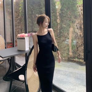 YF68514# 法式温柔露背针织连衣裙女设计感小众珍珠吊带修身长裙子 服装批发装直播货源