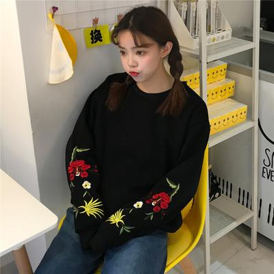 模特实拍女新款秋冬学生刺绣加绒卫衣上衣长袖女