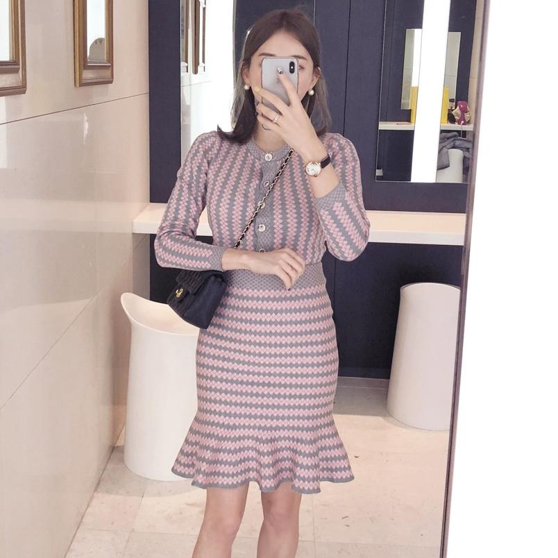 韩国官网2018秋冬新气质韩版荷叶边鱼尾套装时尚针织套装女