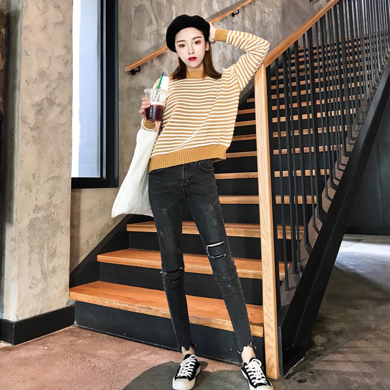 实拍现货 秋冬季新款圆领条纹毛衣+高腰显瘦修身牛仔九分裤两件套