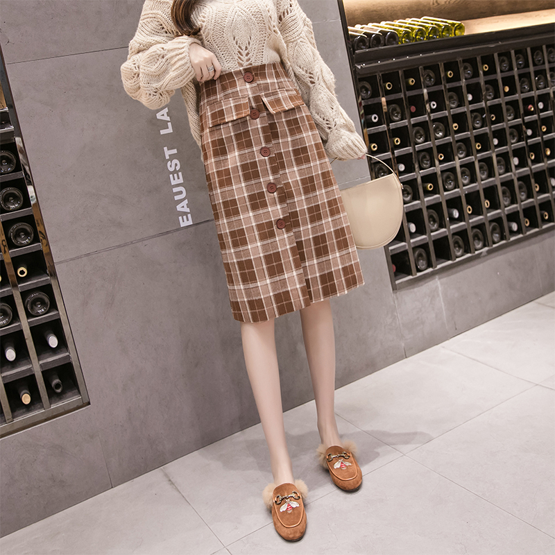 实拍半身裙INS超火的裙子秋冬中长款格子半身裙修身显瘦百搭A字裙