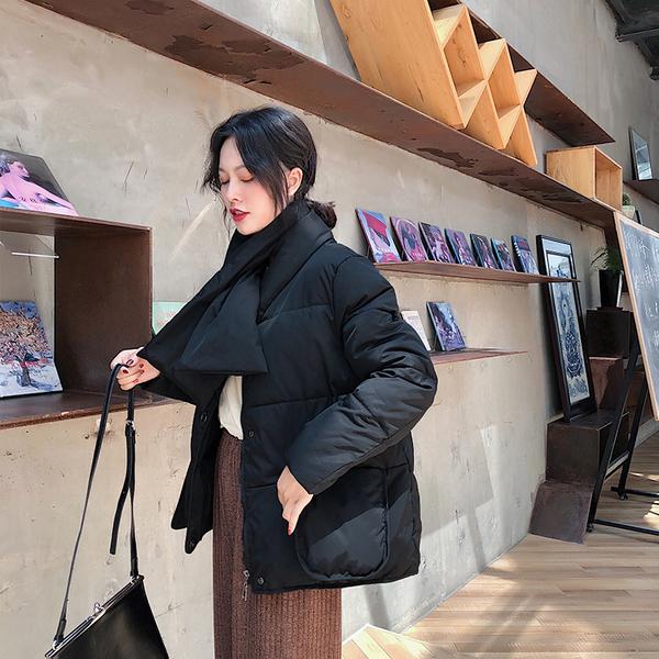 实拍2018韩版新款宽松大码羽绒服女带围脖短款圆领大口袋外套