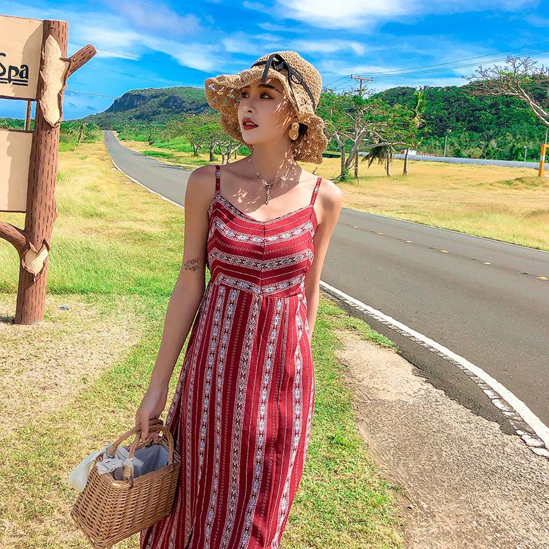 實拍2019夏季沙灘裙女海邊度假超仙顯瘦吊帶連衣裙長裙女
