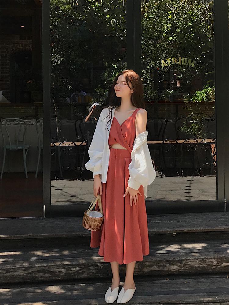 珊珊 3/20 10:00AM掐出一道小蛮腰 性感交叉露脐吊带仙女长裙多色