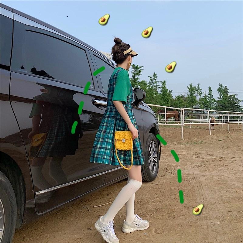 實拍實價 控價 26-49 牛油果綠色純T+綠色格子背帶裙